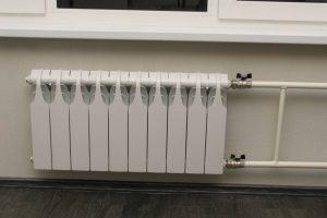 Монтаж радиатора в жилой квартире с сохранением отделки