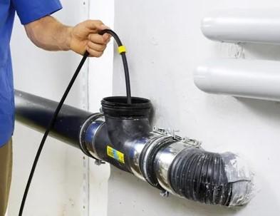 Устранение засора канализации на выпуске из здания